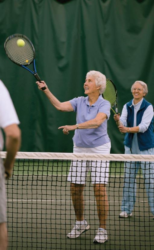 Thornton Oaks residents playing tennis